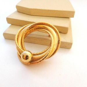 Jewelry - Vintage Gold Infinity Circle Knot Brooch Pin